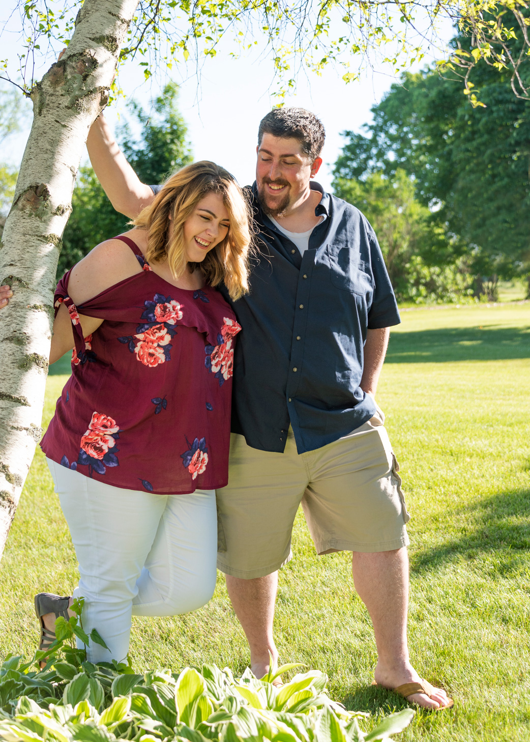 Sunny summer engagement session